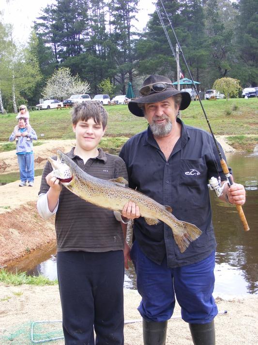 Dscf4673 alpine trout farm noojee for Trout farm fishing